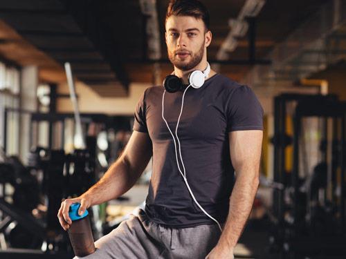 Dávkování kofeinu před tréninkem - kolik kofeinu užít?